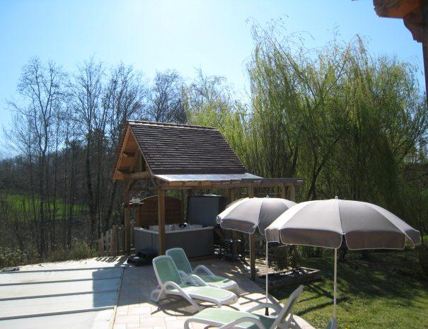 jacuzzi-maison-de-la-valle_47488255452_o
